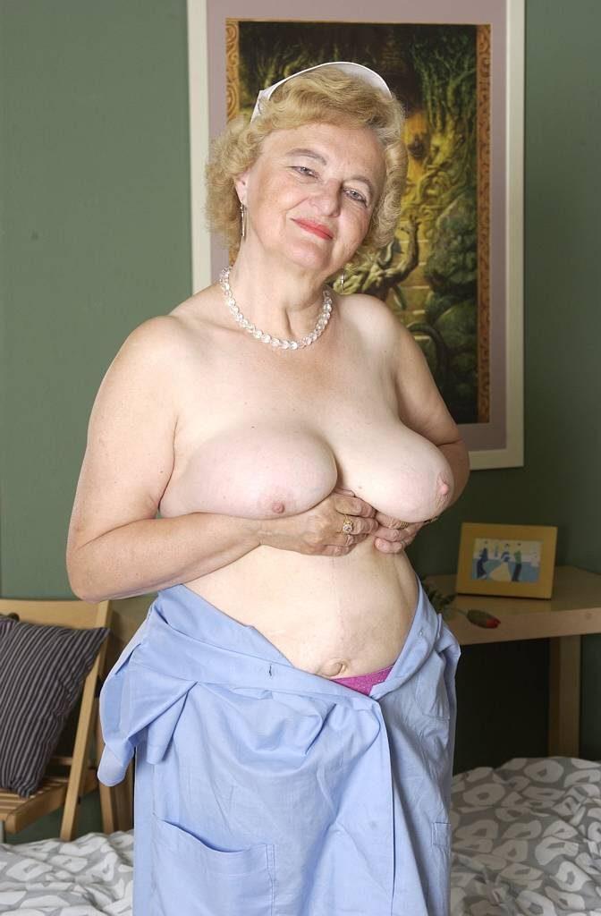 Striptease grannies