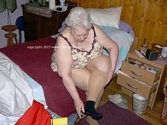 Oh granny your pussy looks as good as mums