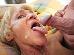 crazy granny facial lover