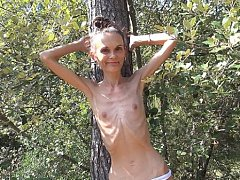 The Hottest Anorexic Girls on the Web